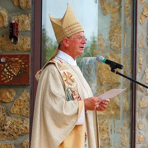 Bischof Viktor Josef Dammertz OSB bei der Weihe der Kapelle am 9. Juni 2007
